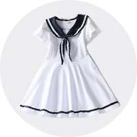 ホワイト色の服